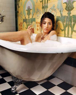 wafah dufour naked in a bath