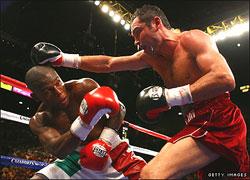 Oscar De La Hoya  vs Floyd Mayweather Jr.